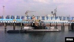 زیردریایی فاتح ۵۲۷ تن وزن دارد و نخستین زیردریایی نیمه سنگین ساخت ایران است.