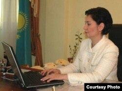 Қазақстан мемлекеттік хатшысы Гүлшара Әбдіқалықова.