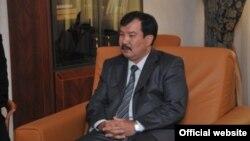 Қазақстан бас прокуроры Асхат Дауылбаев. Сурет бас прокуратураның ресми сайтынан алынды. Астана, 27 шілде 2011 жыл.