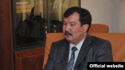 Қазақстанның бас прокуроры Асхат Дауылбаев. Сурет бас прокуратураның ресми сайтынан алынды. Астана, 27 шілде 2011 жыл.