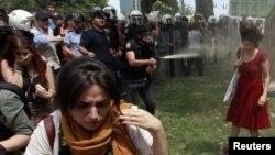 میدان تقسیم ۲۸ مه