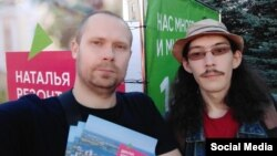 Михаил Шарыгин слева