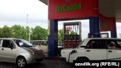 Uzbekistan - UzGazOil petrol station in Tashkent, 15May2012