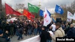 Авыр йөк машиналарын йөртүчеләр Мәскәүдә. 3 апрель 2015
