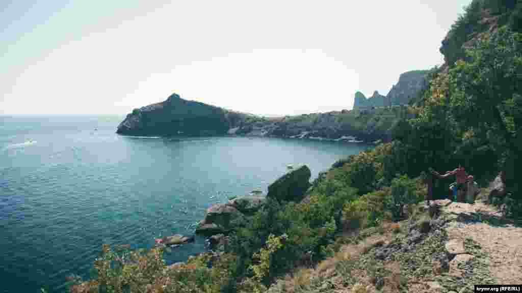 Гора Дельфин, вид с тропы Голицина
