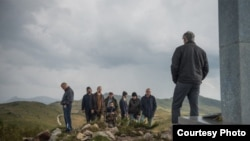 Мажите не плачат - филм на Ален Дрљевиќ