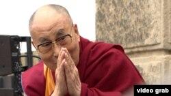 Архивска фотографија- Далај Лама во посета на Чешка