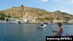 Балаклавська бухта і фортеця Чембало в окупованому Криму