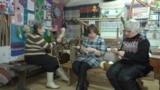 бабушки вяжут