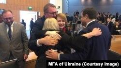 Українська команда після оголошення рішення Трибуналу, 25 травня 2019 року