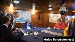 Razgovor Merkelove, Makrona i Đentilonija