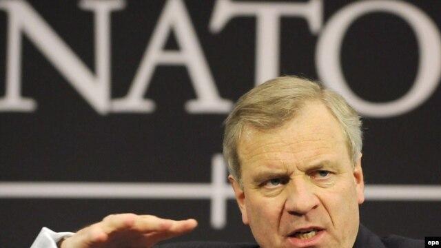 NATO Secretary-General Jaap de Hoop Scheffer speaks at a press conference in Brussels on March 5