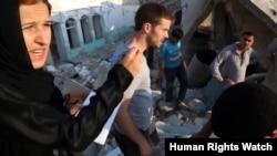 Սիրիա - Իրավապաշտպան Աննա Նեյստատը Հալեպում ավերակ դարձած շենքերի հարեւանությամբ