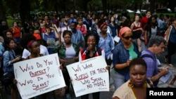 Люди прийшли на акцію жалоби за 18-річним Майклом Брауном, 14 серпня