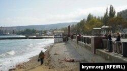 Пляж в Феодосии. Архивное фото