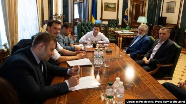 Фото зустрічі президента Зеленського з командою і олігарха Коломойського, оприлюднене 10 вересня