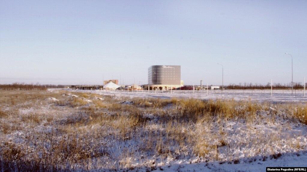 Ultimately, just three casinos -- including the nine-story Shambala -- were built at Azov-City.