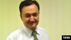 Sergey Maqnitski Rusiya rəsmilərini böyük miqyaslı fırıldaqda ittiham edirdi