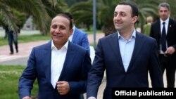 Georgia - Prime Minister Irakli Gharibashvili (R) meets with his Armenian counterpart Hovik Abrahamian, Batumi, 17May2015.