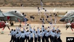 Выпускники академии ВВС Израиля на церемонии окончания