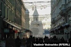 Улица в центре Тимишоары с видом на православный собор. Фото автора