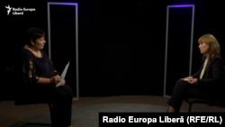 Valentina Ursu și minsitrul moldovean al sănătății Alla Nemerenco în studioul Europei Libere de la Chișinău.