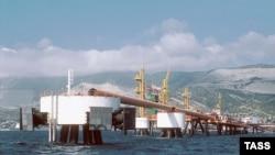 A cargo-loading platform at the port of Novorossiisk
