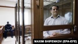 Роман Сущенко в суде, архивное фото
