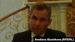 Ресей президентінің бала құқығы бойынша өкілі Павел Астахов. Астана, 17 шілде 2013 жыл.