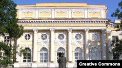 Здание РГПУ им. Герцена (фото: Михаил Хоффманн)