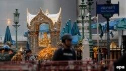 Бангкоктегі жарылыс болған индуистік Эраван храмының жаны. Таиланд, 18 тамыз 2015 жыл.