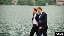 Premierul Vlad Filat și liderul transnistrean Evgeny Șevciuk la o întîlnire în marginea Conferinței OSCE desfășurată în localitatea Rottach-Egern, în Germania