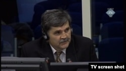 Svjedok Mihajlo Vujasin u sudnici 20. studenoga 2012.