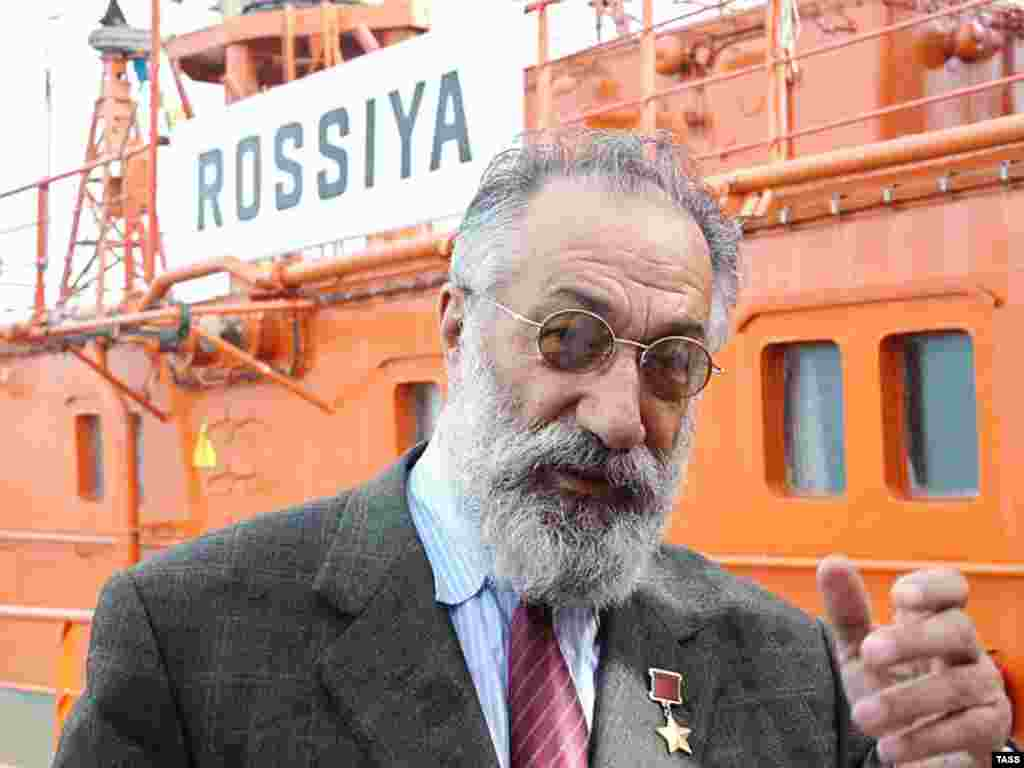 Russia -- Artur Chilingarov, explorer and parliament member, outside the Rossiya nuclear-powered icebreaker at Murmansk harbor, 24Jul2007
