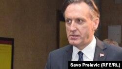 Kao poseban vid političke korupcije, Ranko Krivokapić apsotrofira onu najnoviju, koju naziva parlamentarnom, odnosno slučajevima takozvane prodaje poslanika