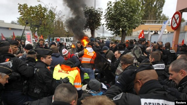 Police charge to unblock the entrance of the Grandpuits oil refinery southeast of Paris