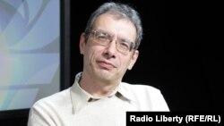 Директор Школы актуальных гуманитарных исследований Николай Гринцер