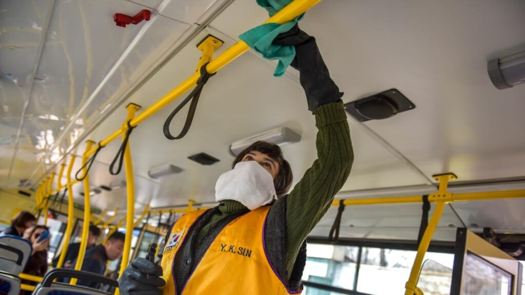 Dezinfekcija u javnom prevozu, Biškek, Kirgistan