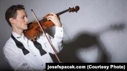 Чешский скрипач Йозеф Шпачек.
