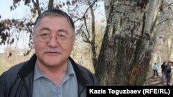 """Рысбек Сарсенбай, главный редактор газеты """"Жас Алаш"""". Поселок Тастыбулак Алматинской области, 5 апреля 2013 года."""