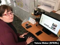 Председатель общественного объединения «Умит» Гульмира Смаилова создала «горячую линию», куда просят сообщать о подозрительных людях и их действиях.