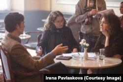 """Ирена Павласкова и Ксения Раппопорт на съемках фильма """"Пражская оргия"""""""