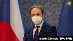 Noul ministru ceh de externe, Jakub Kulhanek, făcând declarații de presă. 22 aprilie 2021