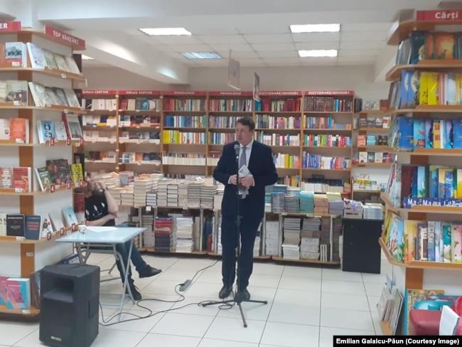 Le député PDA Igor Munteanu, lors de l'événement à la Librairie du Centre