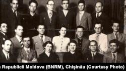 Conducerea PCR în anul 1939, primul din dreapta în rândul de mijloc Nicolae Ceaușescu