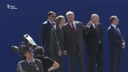 Військовий парад у Києві символізує рух до НАТО – Порошенко (відео)