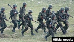 Военнослужащие Армии обороны Нагорного Карабаха во время учений (архив)