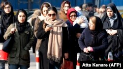 Իրան - Կանայք Թեհրանի փողոցներից մեկում, արխիվ