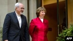 Глава МИД Ирана Мохаммад Джавад Зариф и верховный представитель ЕС по внешней политике Кэтрин Эштон (Женева, 7 ноября 2013 года)