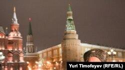 Русские гуляния с песнями на Манежной не состоялись